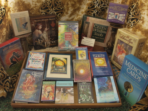 Decks: Oracle, Tarot and more